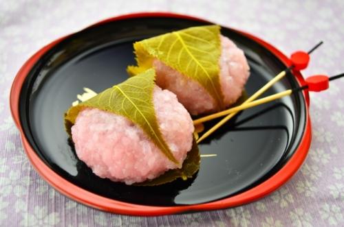 桜餅の葉っぱの種類は何の葉っぱ?名前は?食べるもの?